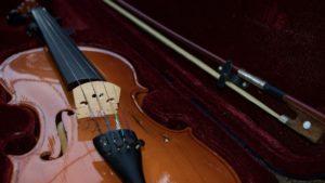 バイオリンにはフレットがない